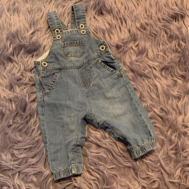 Mjuka jeans hängselbyxor från Newbie stl 56