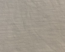Vit t-shirt med bröstficka från Kappahl stl 98/104