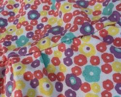 Mycket färgglad kortärmad klänning från PoP stl 62