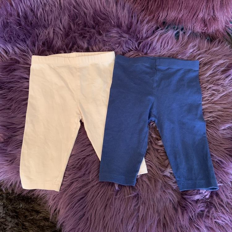 Två par leggings i ljusrosa och mörkblått från Vertbaudet stl 80