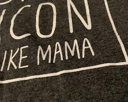 Mörkgrått linne med vitt texttryck från Primark stl 80