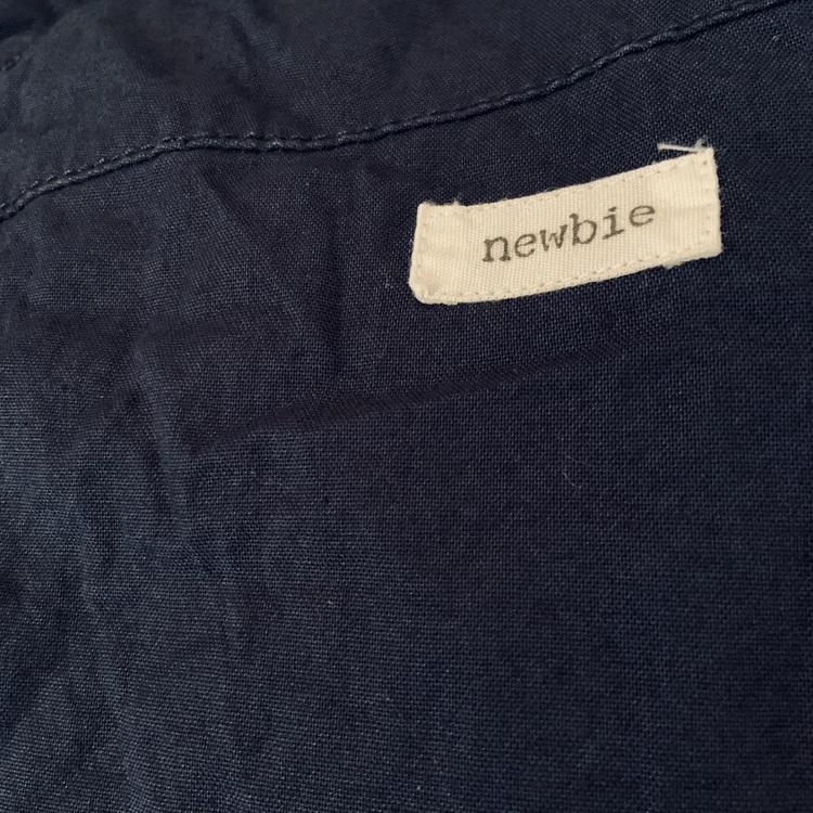 Mörkblå hängselshorts från Newbie stl 80