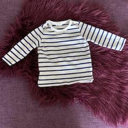 Vit tröja med mörkblå ränder från Newbie stl 68