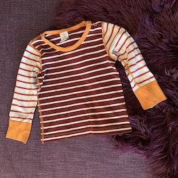 Randig tröja i vitt, rött, vinrött och orange från PoP stl 86