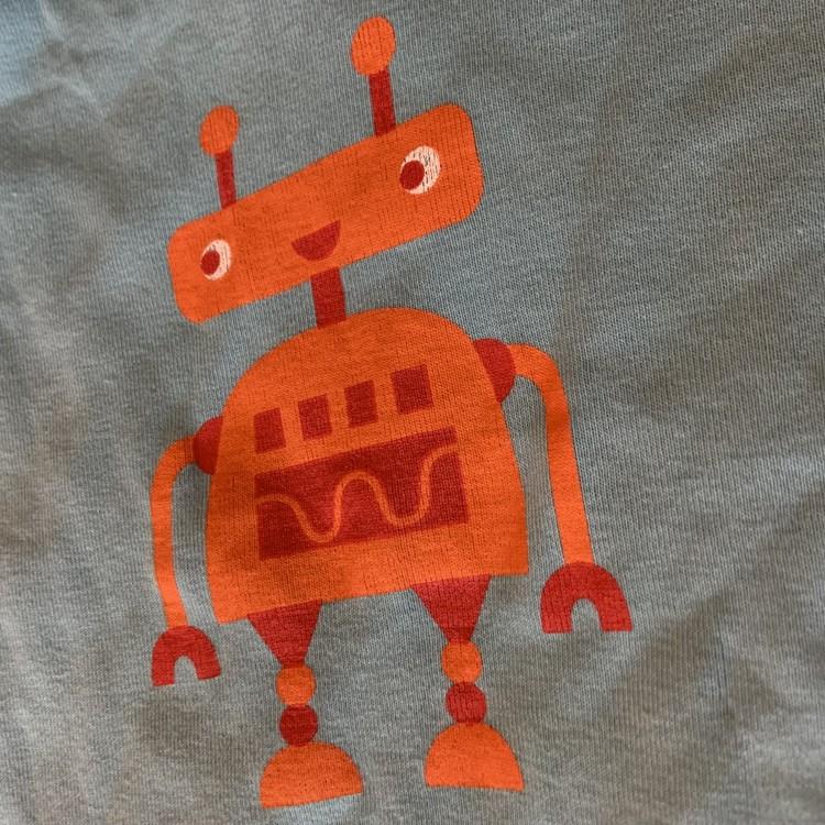Ljusblå t-shirt med robottryck i rött och orange från PoP stl 86