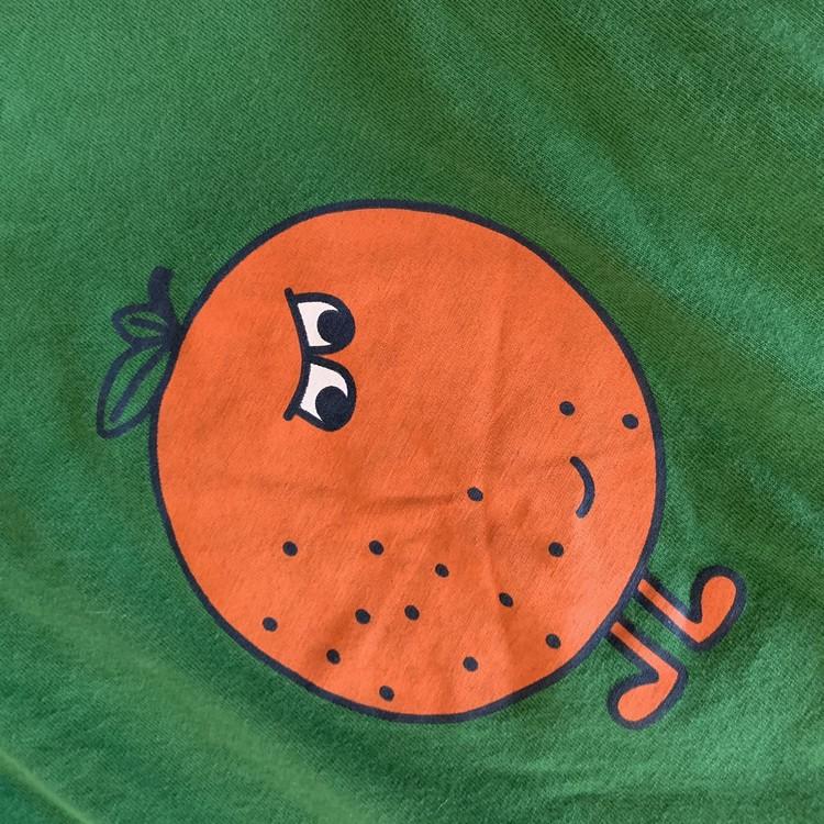 Grön tröja med apelsintryck från PoP stl 104