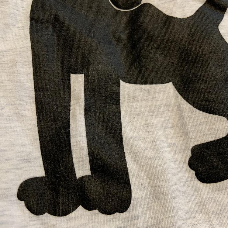 Grå melerad t-shirt med svart, vitt och rött panter tryck från Mini Rodini stl 56-62
