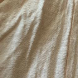 Ljusrosa jumpsuit med hålbroderi och volanger från HM stl 68
