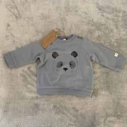 Blå collegetröja med svart 3d panda tryck från Newbie stl 62
