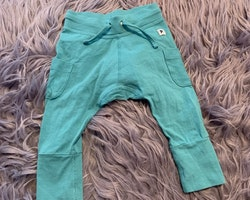 Turkosa byxor med fickor från PoP stl 62