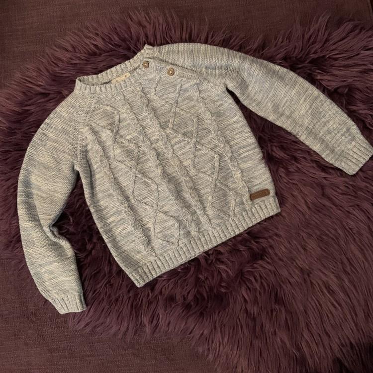 Ljusblå och vitmelerad stickad tröja från Newbie stl 80