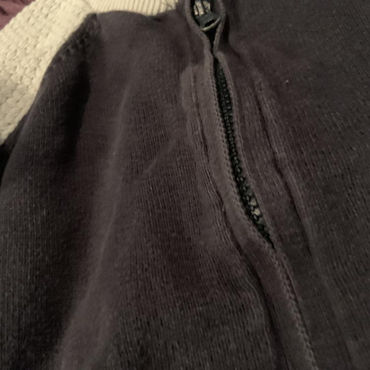 Mörkblå och vit kofta med dragkedja och fickor från Newbie stl 80