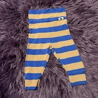 Blå och brunrandiga leggings från Mini Rodini stl 56