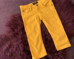 Gula jeans från Mini Rodini stl 92/98