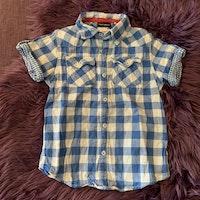 Blå- och vitrutig kortärmad western skjorta från Kappahl stl 110
