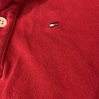 Röd piké från Tommy Hilfiger stl 74