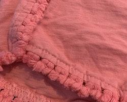 Rosa shorts med små tofsar från Club Xprs stl 98/104