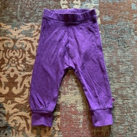 Lila leggings från Småfolk stl 68