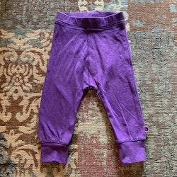 Lila leggings från Småfolk stl 68