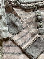 3 delat body paket med ett par vita med ekorrar och marint mönster och en beigerosa med grå ränder från Newbie stl 68