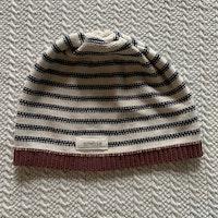 Stickad mössa i off-white, mörkblått och vinrött från Newbie stl 44/46 (Stretchig)