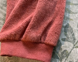 Ett par rödbruna byxor från Lupilu stl 86/92