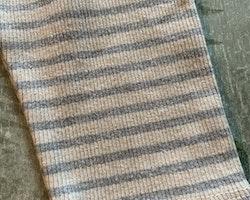 Grå och beige randiga ribbade byxor från Zara Baby stl 86