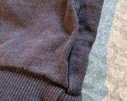 Ett par mörkblå mjukisbyxor från Kaxs stl 92