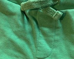 Gröna mjukisbyxor från Kaxs stl 86