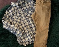 Blå, vit, gul och brun rutig skjorta och gulbruna chinos från Old West America & HM stl 86