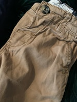 3 delat paket med chinos i beigebrunt, mörkblått och grönt stl 86