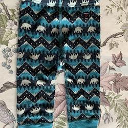 Svarta, vita och blå ullbyxor med mönster av isbjörnar från PoP stl 74/80