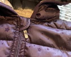 Lila lättfodrad jacka med stjärnmönster i sammet från Lisa Rose stl 128