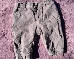 Mörkgrå lättfodrade byxor från Newbie stl 56