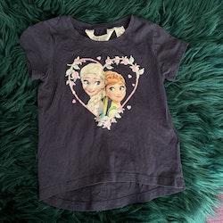 Mörkblå t-shirt med Frost motiv från HM stl 92