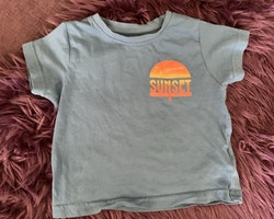 3 delat t-shirtpaket med marint tema i vitt, blått och orange från Primark och Baby club stl 92