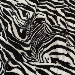 Svartvit jumpsuit med zebraränder och gömda zebror från AnimalPlanet stl 116