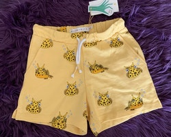 Gula shorts med koffertfiskar från Minimarket stl 110/116