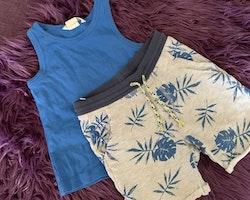 Blått linne och grå shorts med blått växtmönster från HM stl 92 + 86