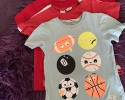 3 delat t-shirtpaket i mestadels rött med lite mint och bollar stl 92