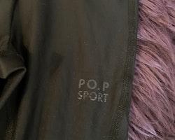 Svarta träningsbyxor från PoP stl 98/104