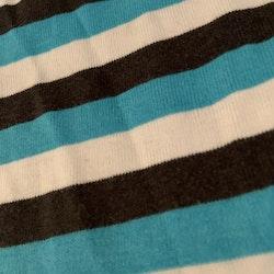 Två färgglada, randiga linnen från HM stl 98/104