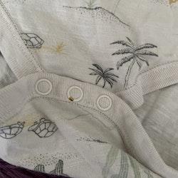 Två kortärmade bodies med kaktusar från Newbie stl 68