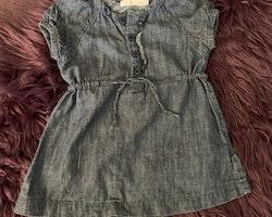 3 delat klänningspaket i mestadels blått från Åhléns, Walking och Lindex stl 68