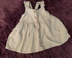 Lingrön klänning från HM stl 68