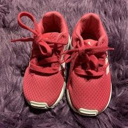 Rosa gymnastikskor från Adidas stl 22