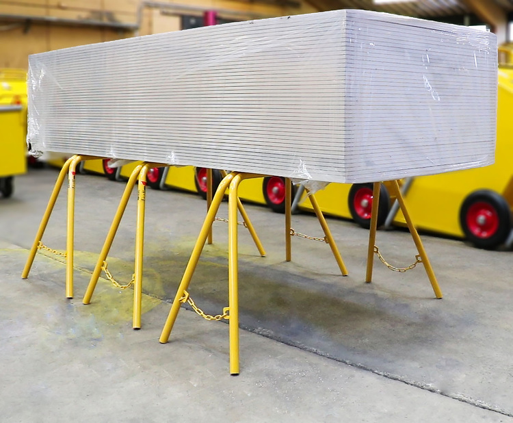 Tre gipsbockar rekommenderas för ett helt paket med gipsskivor.