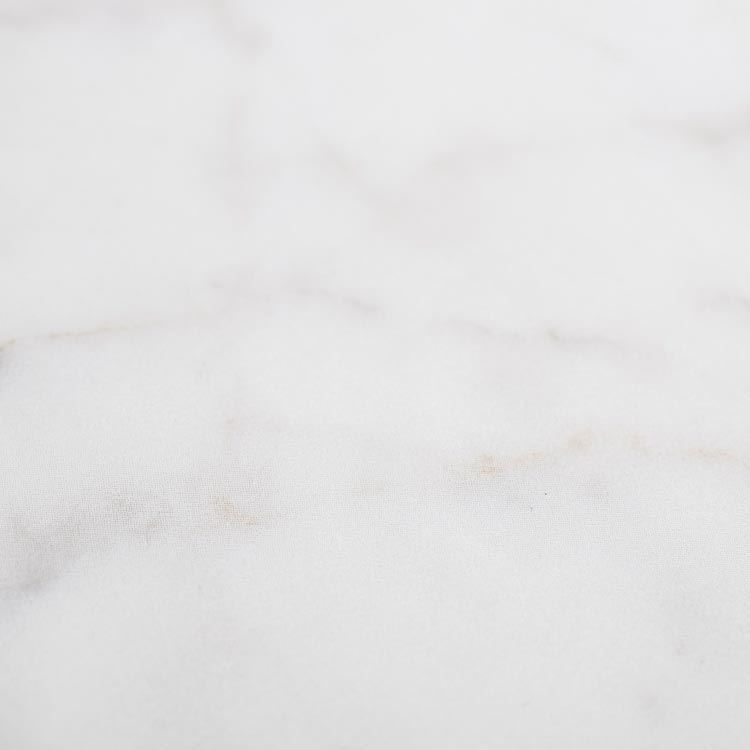 MK13 - Faded white marble