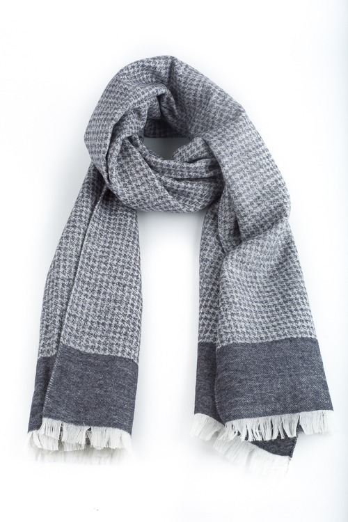 Wool/Silk Dogtooth Scarf - Grey/White