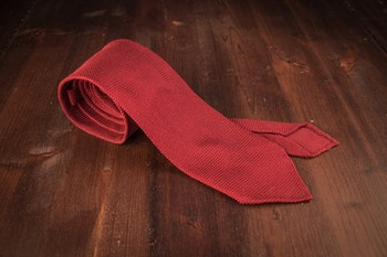 Solid Silk Grenadine Fina Tie - Untipped - Burgundy